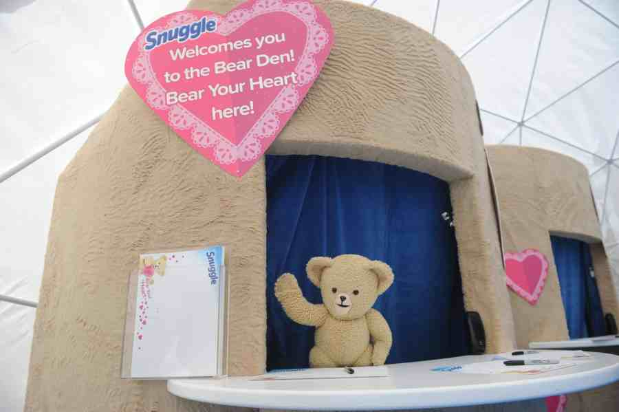 """Snuggle Gets People To """"Bear Their Hearts"""" For Valentine's Day"""