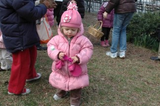 Easter Egg Hunt at Pierrepont Playground 2008 - Brooklyn Archive