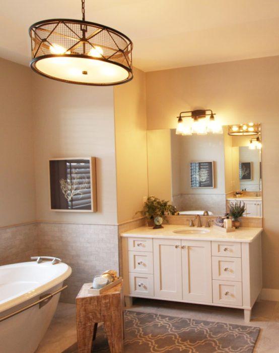 Master Bathroom ensuite Luxury Lake House