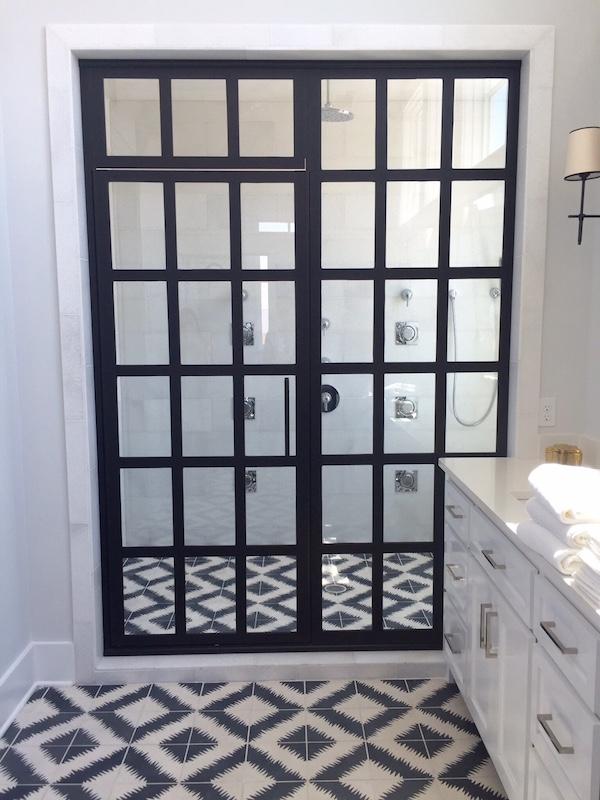 bw-bathroom