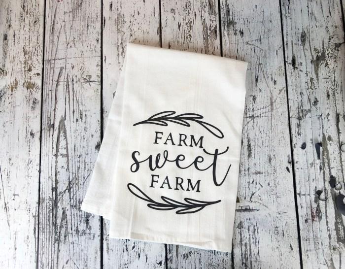Flour Sack Tea Towel - Farmhouse Style DIY Project