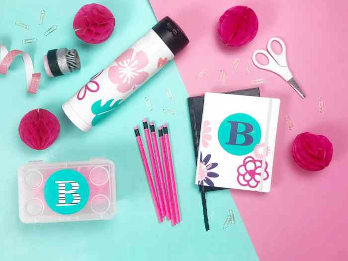 Back To School Cricut Projects to personalize your school supplies. Add vinyl to decorate and personalize your gear.