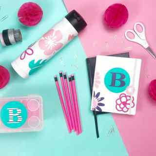 Back To School Cricut Projects to personalize your school supplies. Get school ready with cute gear for students, teachers or just for fun.
