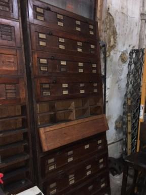 oak-wall-cabinet-door-open
