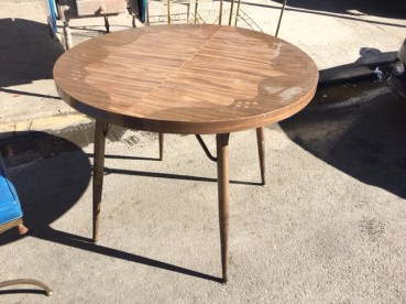 round-mid-century-table