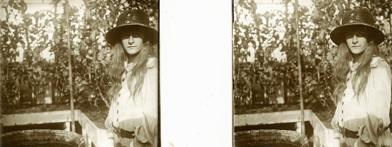 Random European Glass Stereoview #50