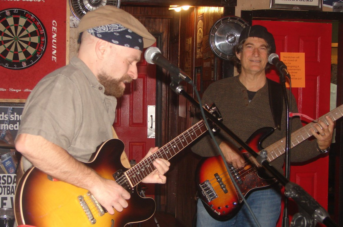 Jammin' with Al Levy slappin' that Bass