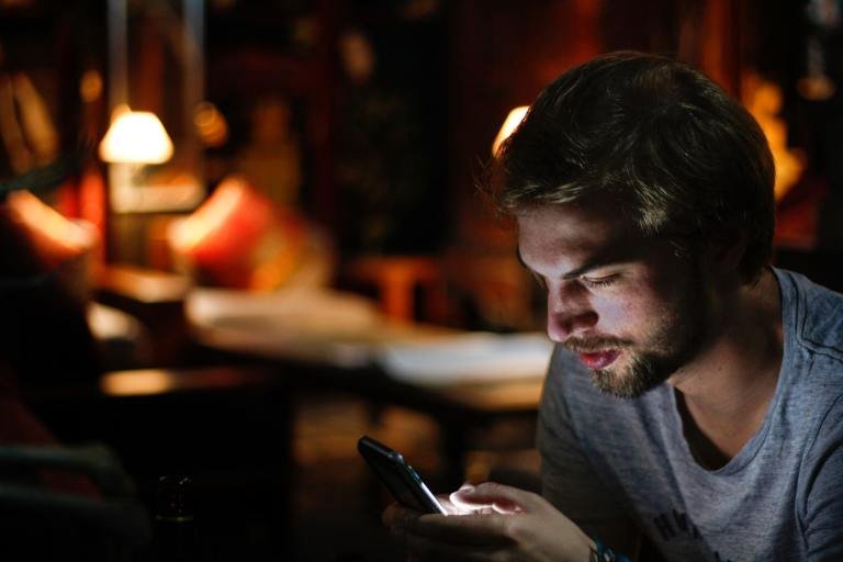 Male Bible-app users read more, retain less