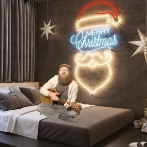 Santa Clause Is Coming To Town  – Pull Up the Covers