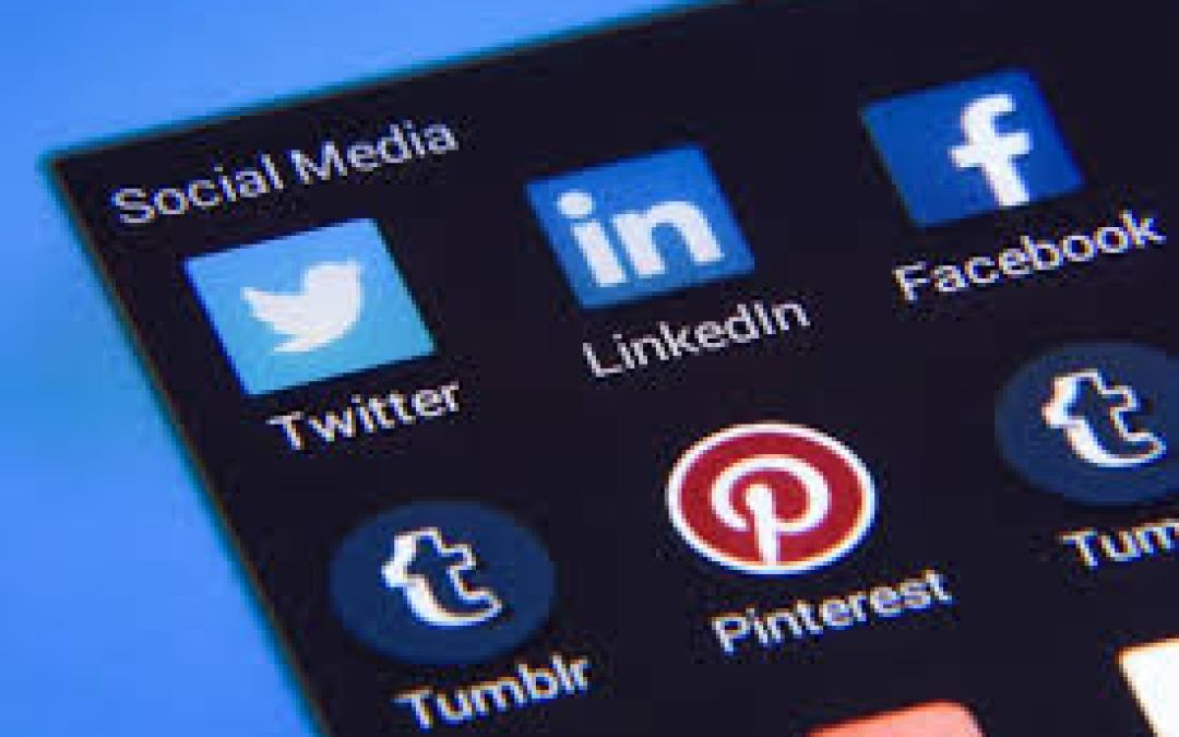 WHY YOUR BUSINESS NEEDS SOCIAL MEDIA