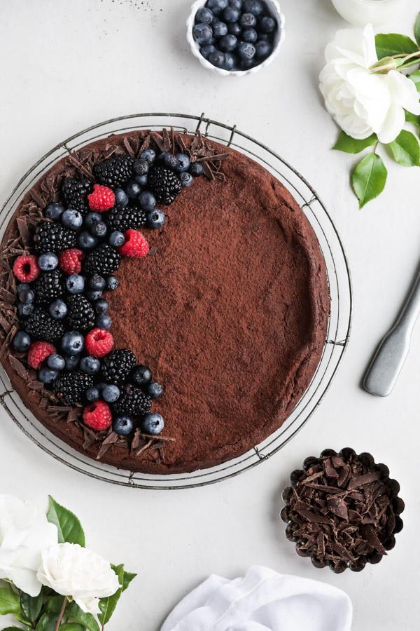 6-ingredient-flourless-chocolate-cake