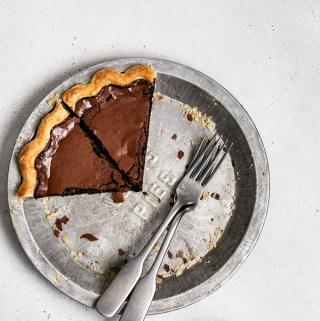 dark-chocolate-chess-pie