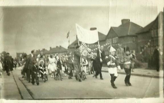 Coronationparade1