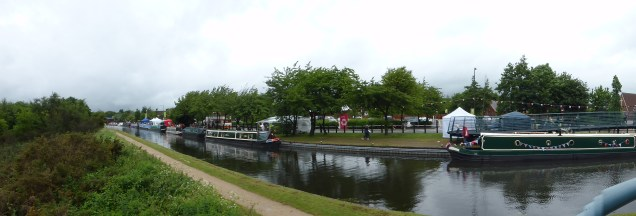 There were more boats this year, but no boat rides, due to an emergency lock stoppage at Wolverhampton