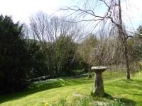 Hints churchyard
