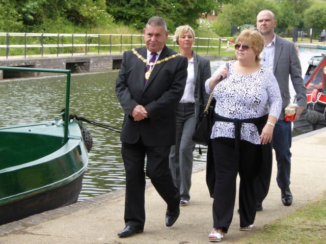 Walsall's Mayor, Pete Smith, climbed of the fence and came to audition for the part of Mr. Beige in the new production of Barr Beacon Reservoir Dogs.