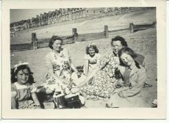 School trip to Rhyl, 1951. Image courtesy Eleanor Holland & David Evans.
