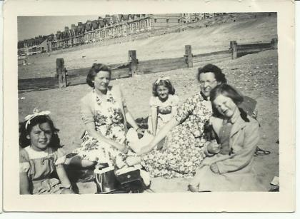School trip to Rhyl, 1951. Image courtesy Eleanor Holland & David Evans.