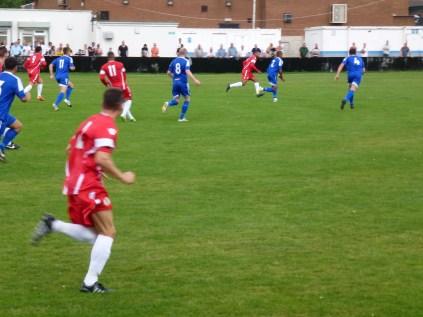 Build-up to the first goal to the Wood