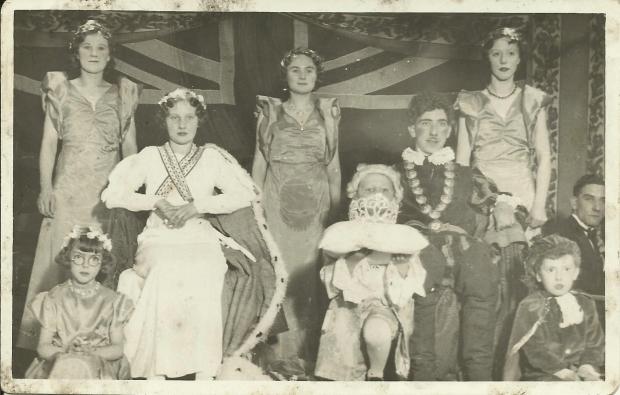 Brownhillscarnavalqueen1934