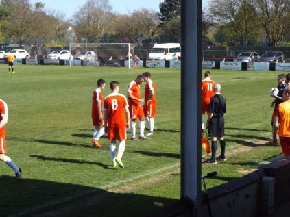 This brief pause in play gives all the players a very welcome chance to re-hydrate.