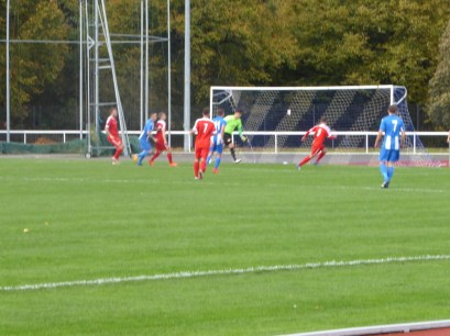 Seat-cushion clenching moment in the second half. Nuneaton threaten the Wood's goal.