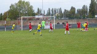 Tividale score a goal. Second half. A well worked and executed goal it is, too. The score is now 2 -1 to the Wood.