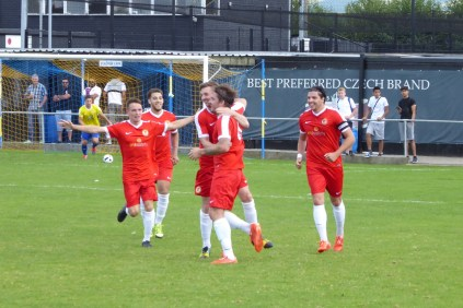 The Wood celebrate their second goal . Smashing!