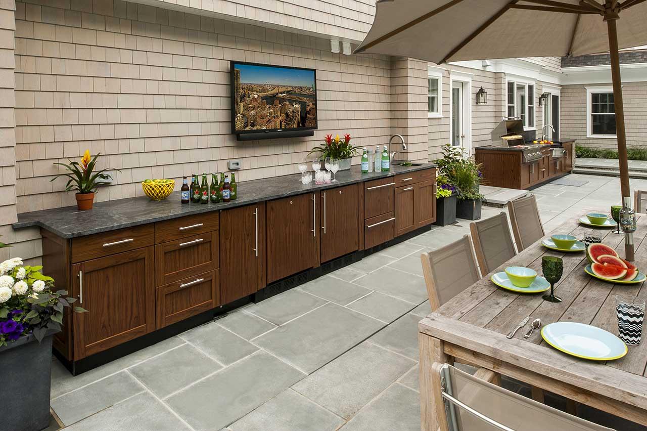 Outdoor Kitchen Design Ideas | Brown Jordan Outdoor Kitchens on Backyard Kitchen Design id=19291