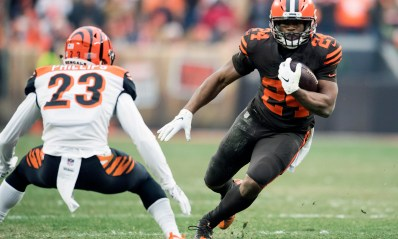 Nick Chubb sets Browns rookie rushing record in win over Bengals