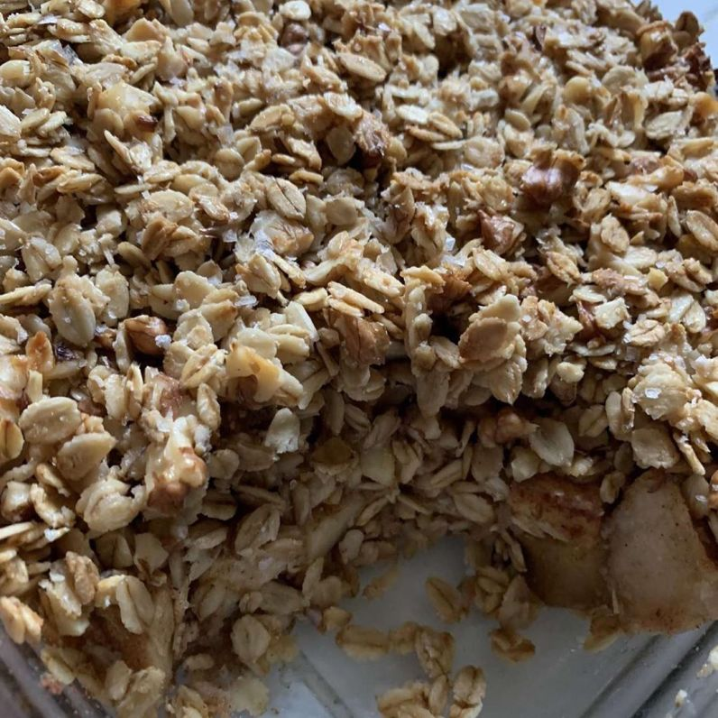 healthy-apple-crumble-multip_img-1-a223411f.jpg