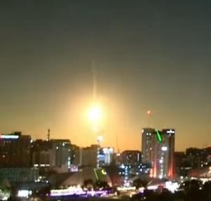 アデレード上空で明るく爆ぜた隕石