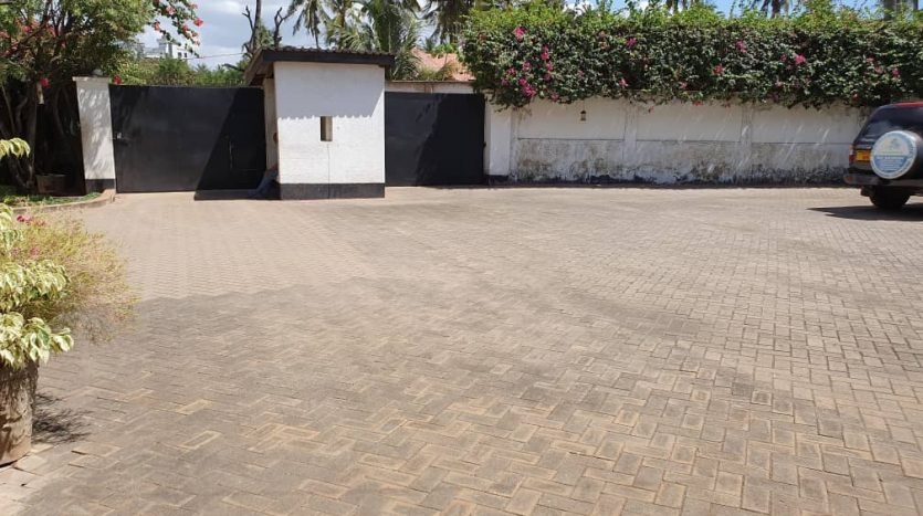 House For Sale at Mikocheni Dar Es Salaam1
