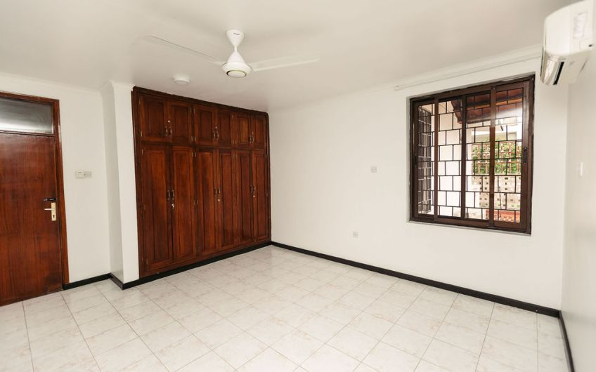 House For Sale at Msasani Near Fish Market Dar Es Salaam31