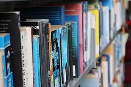books-1553177__180