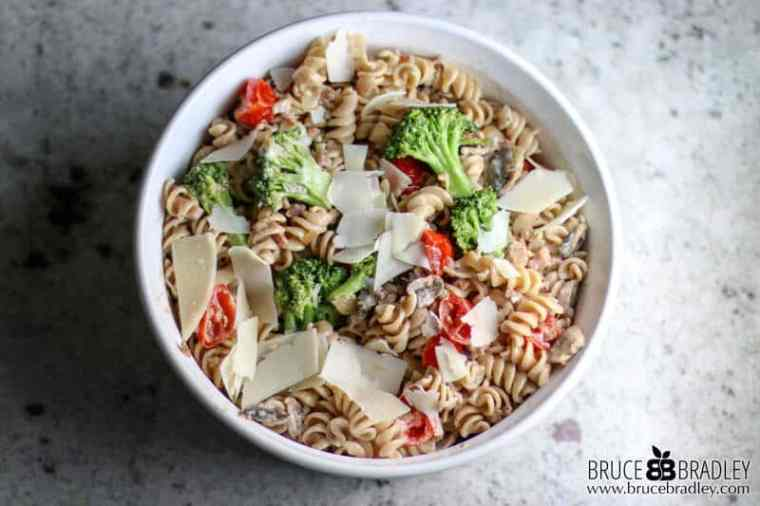 This Gorgonzola Pasta recipe is so delicious and easy PLUS it's made with lots of healthy ingredients like whole wheat pasta, vegetables, and mushrooms!
