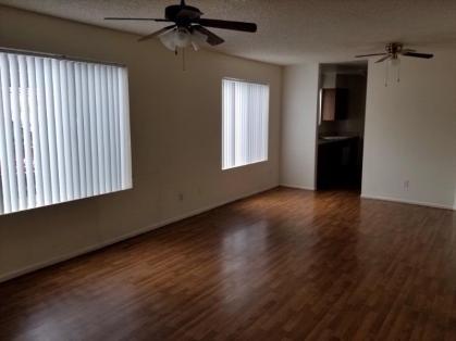 3006_101_Living-Room_3