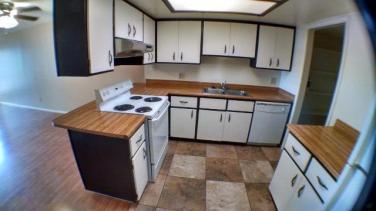 3042-102_Kitchen_1