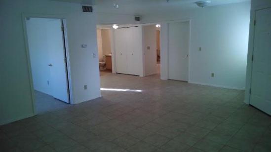 36-105_Living-Room_3