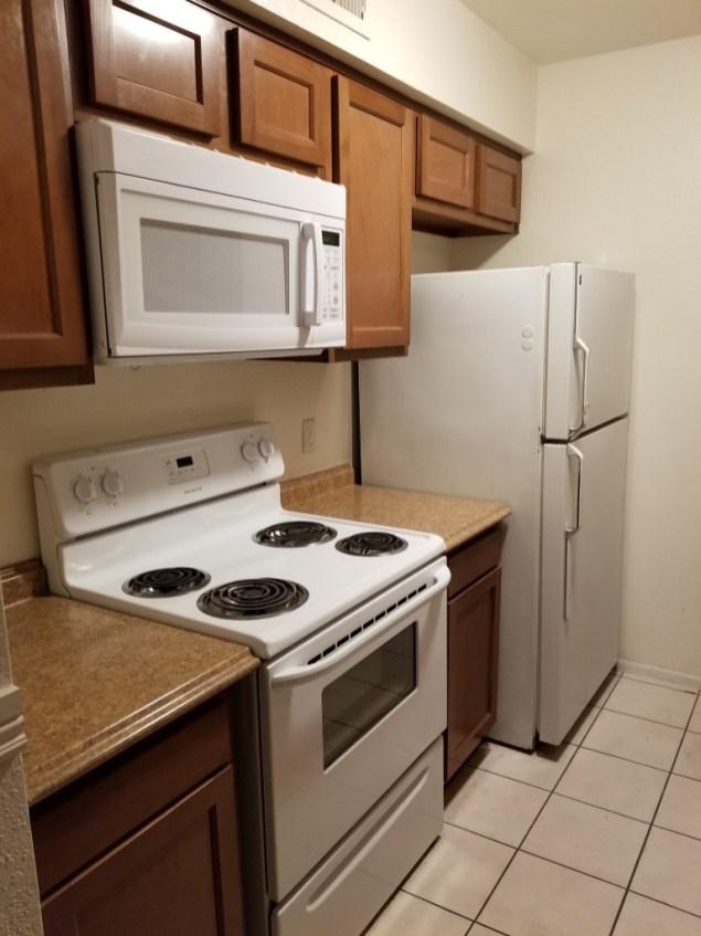 5925_103_Kitchen_2