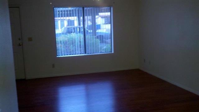 6141-Glencove_1_Living-Room_1