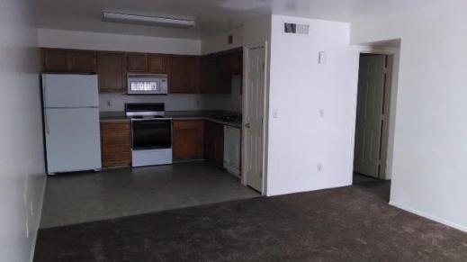 6147-2_Kitchen_3