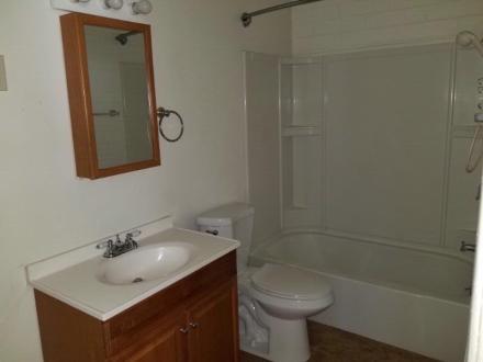 902_4_Bathroom