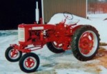 2001 1960 - 230 International farm tractor Winner - Clayton Mann, Dundas, ON