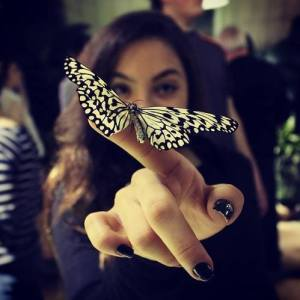 butterfly finger