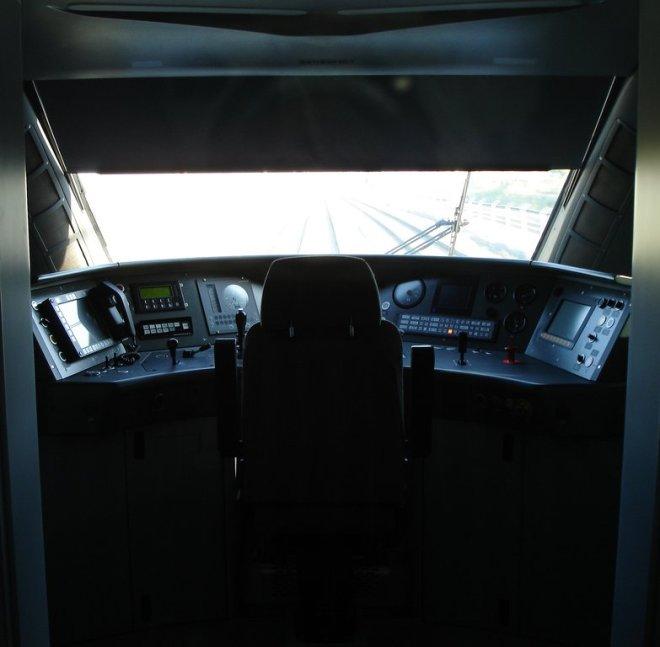 Cabina de tren AVE (foto Belis@rio vía Flickr).
