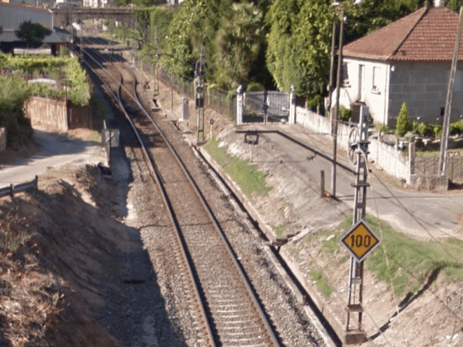 Limitación de velocidad en la entrada de O Porriño. (Fuente: Google Maps)