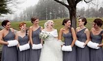 Winterwedding donkere jurken bruidsmeisjes