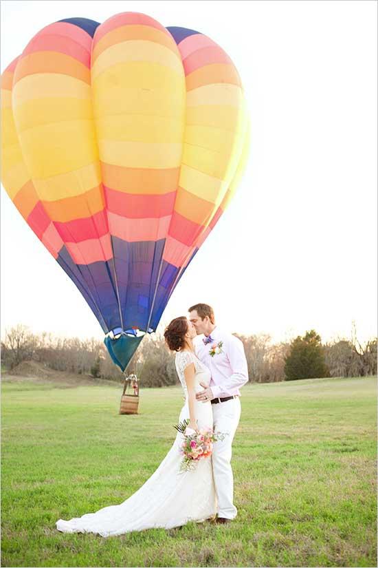 Luchtballon als origineel trouwvervoer