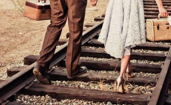 Lindsey Lane Photography via Rustic Wedding Chic